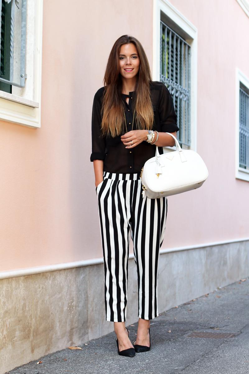 outfit estate 2013 | pantaloni a righe bianche e nere | pantaloni a righe | camicia nera | scarpe zara  2