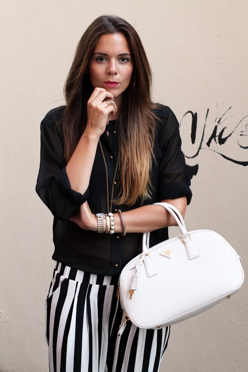 outfit estate 2013 | pantaloni a righe bianche e nere | pantaloni a righe | camicia nera 2