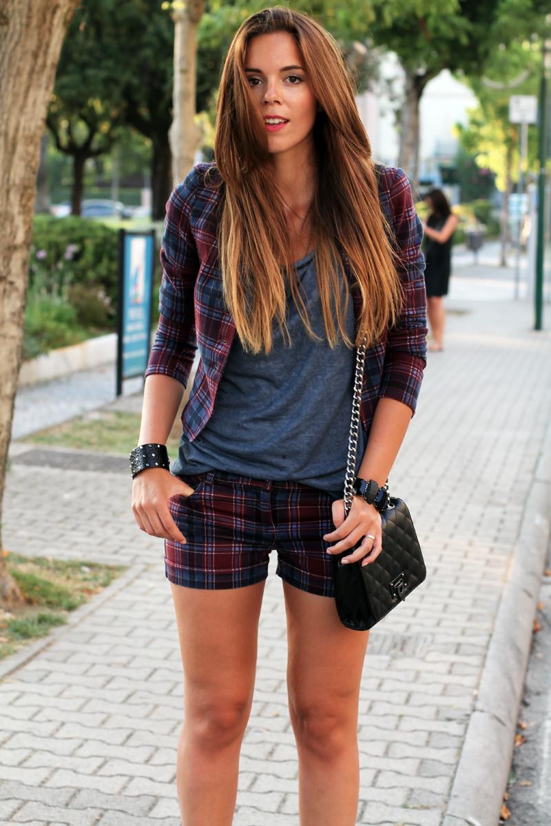 moda autunno inverno 2013 | outfit | look | tartain | scozzese | anfibi |  dr martens |  borsa nera con tracolla |  ombre hair | shatush 2