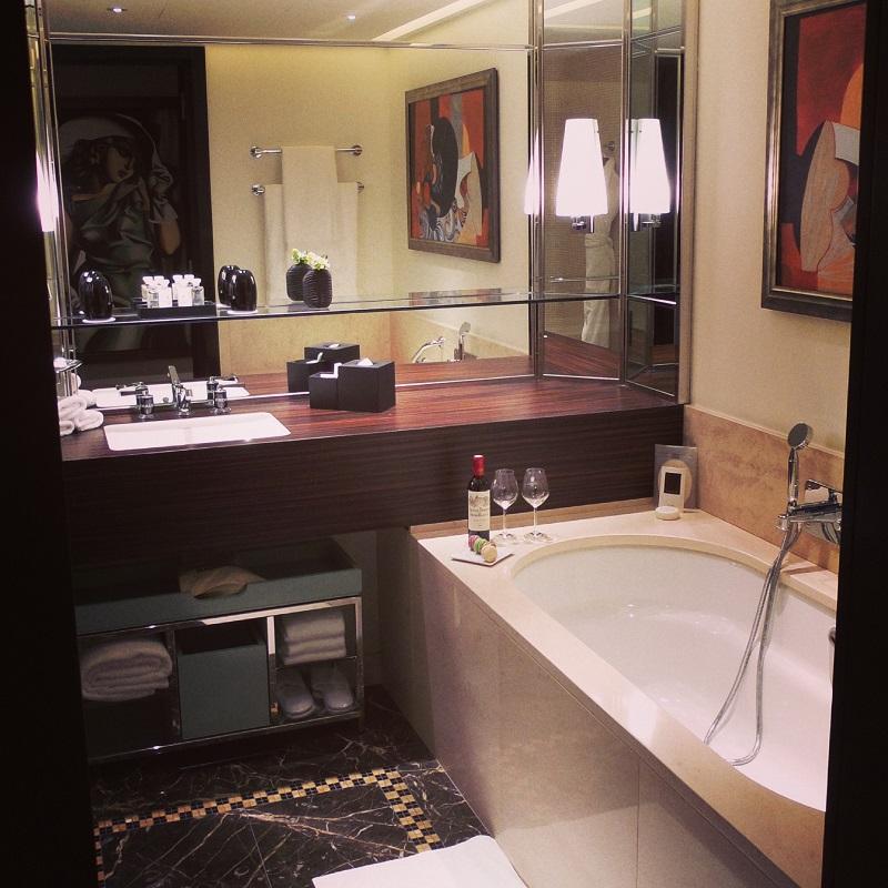 PRINCE DE GALLES HOTEL parigi