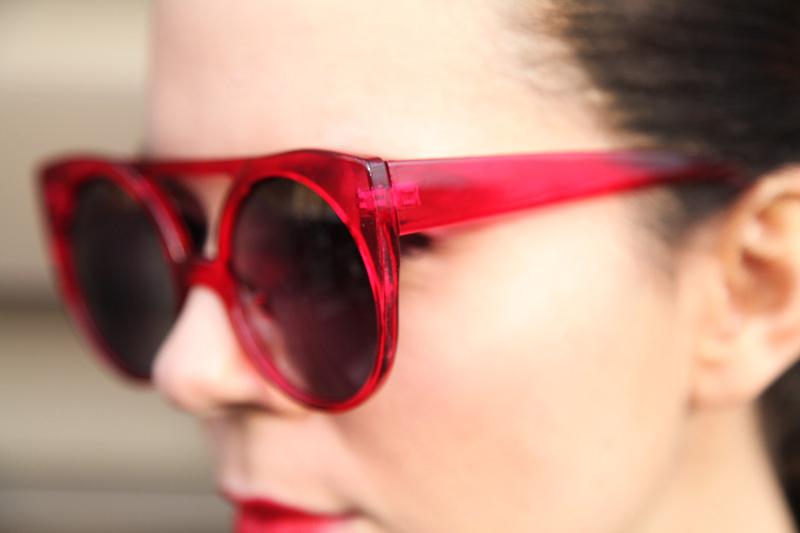 occhiali da sole lowcost rossi