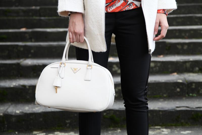 borsa prada saffiano bianca logo oro