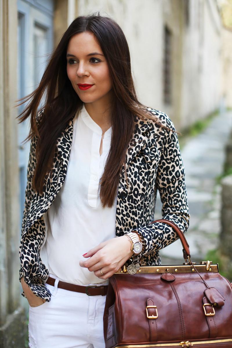 camicia bianca donna giacca leopardata