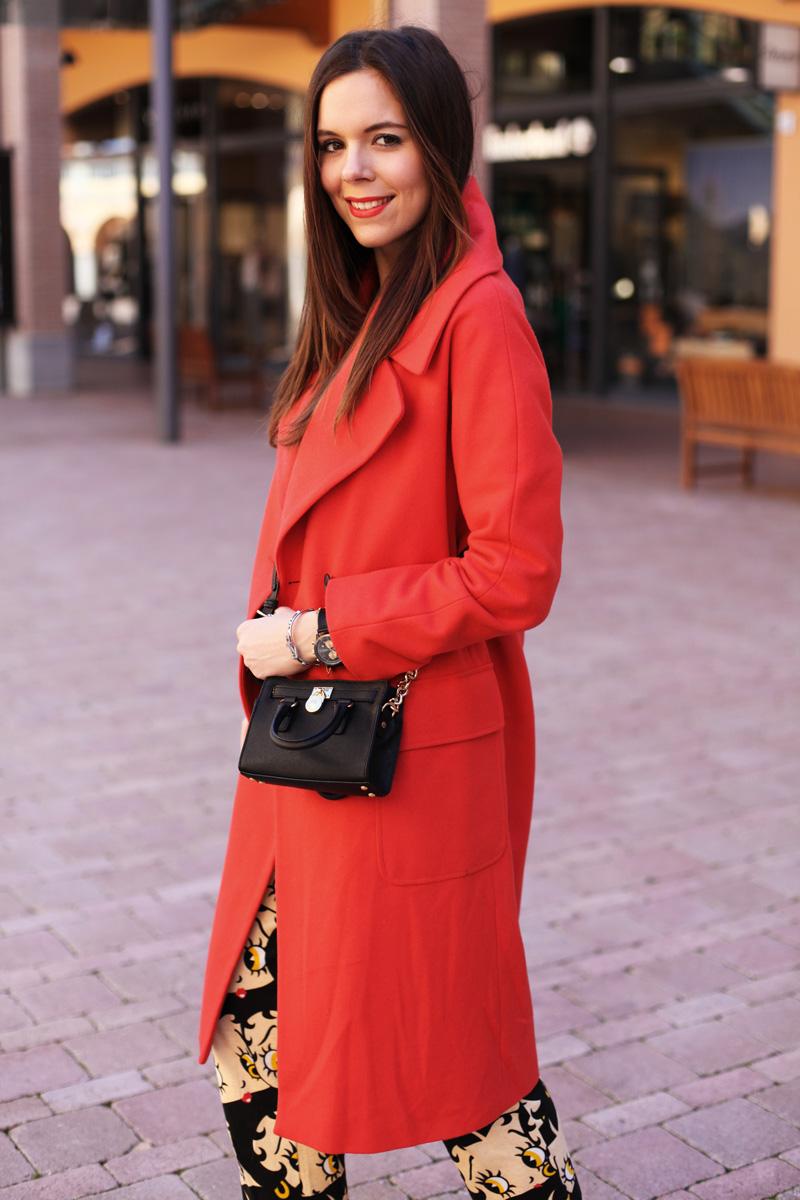 cappotto lungo rosso mini bag MK nera