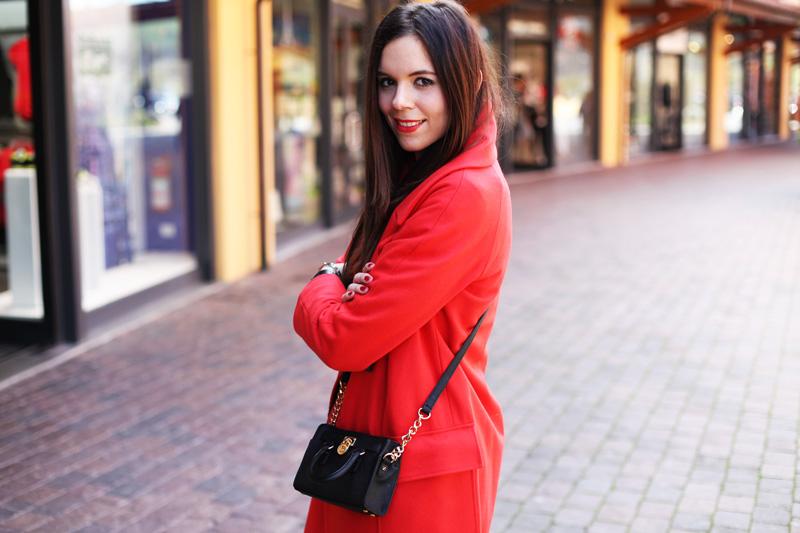 cappotto rosso irene colzi valdichiana outlet village