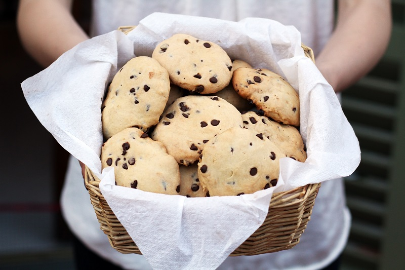 cookies biscotti con gocce di cioccolato ricetta (1)