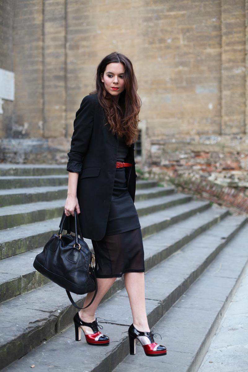 gonna longuette nera e trasparente look elegante (1)
