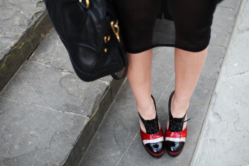 scarpe stringate con tacco