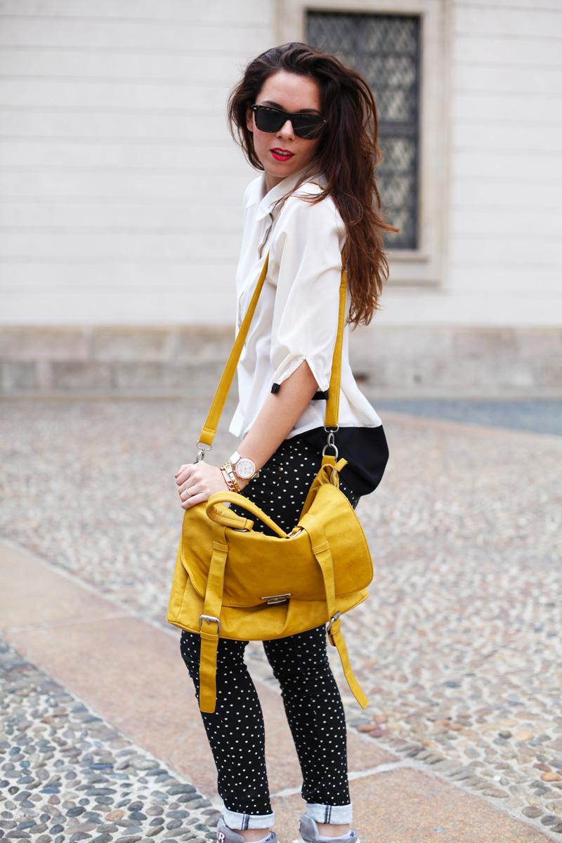 pantaloni a pois | camicia bianca