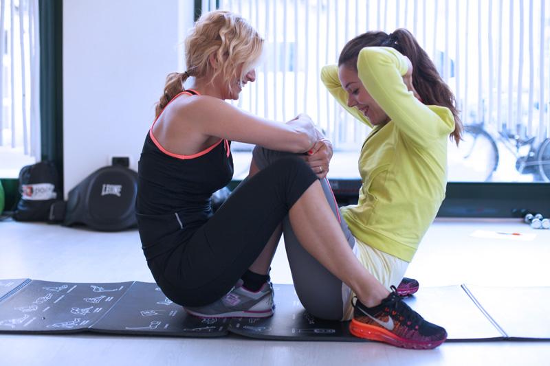 allenamento addominali | allenamento di coppia