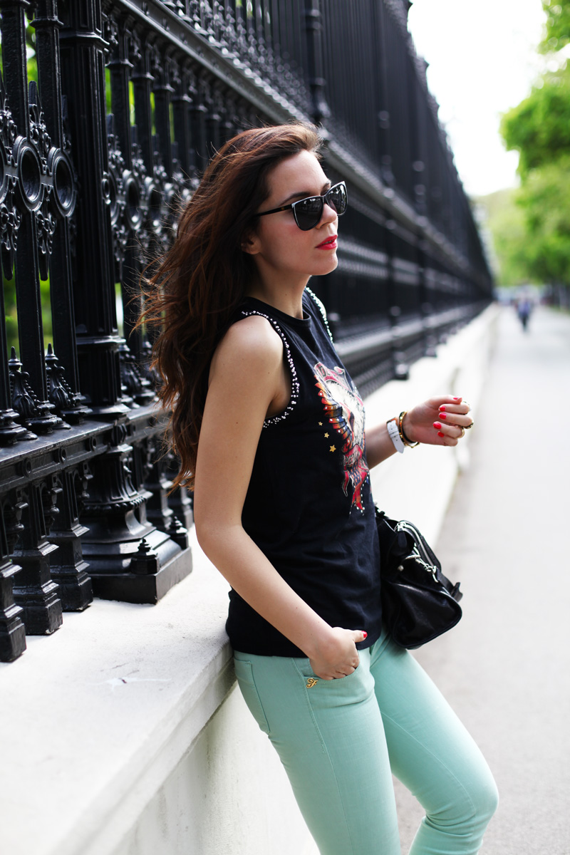 giacca bianca, pantaloni verde menta 3