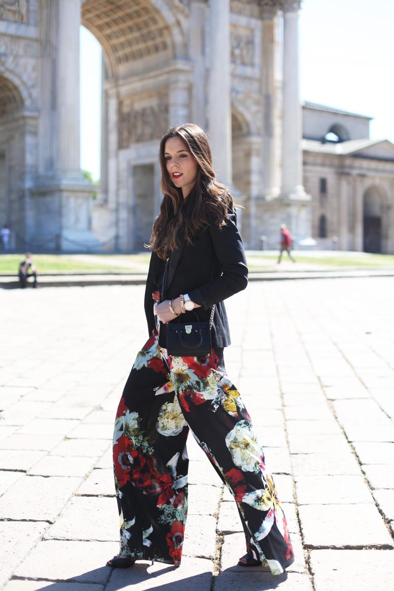 pantaloni floreali