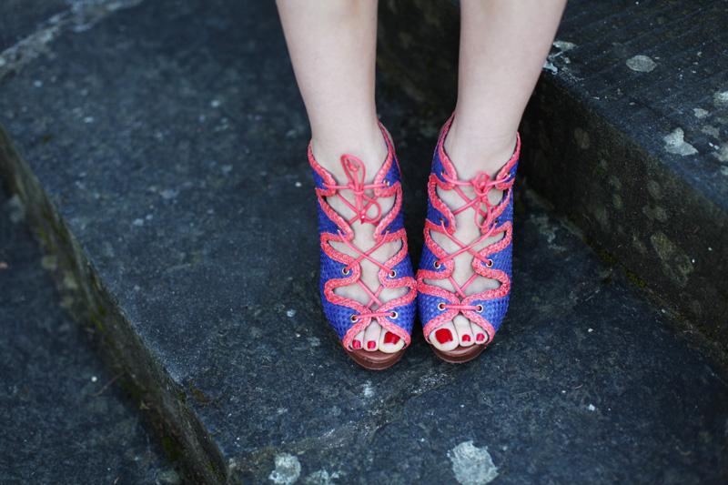 scarpe con lacci