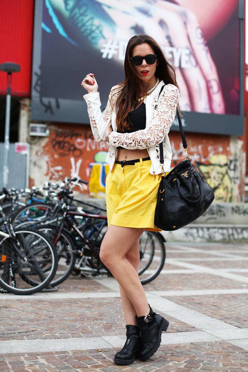 shorts gialli