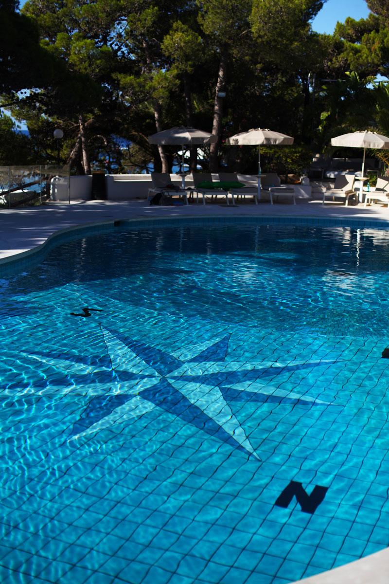 piscina forte village sardegna