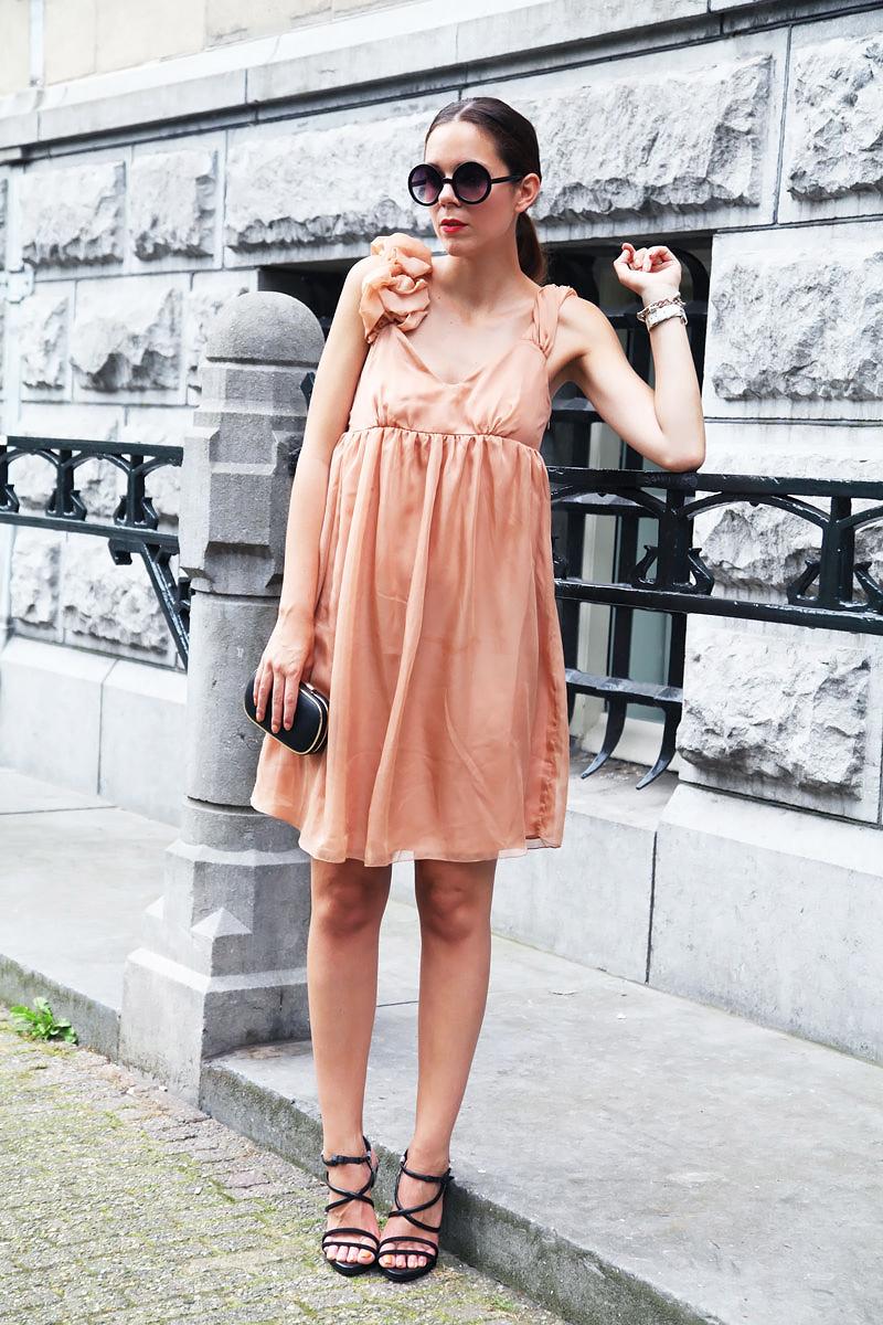 Vestito rosa cipria