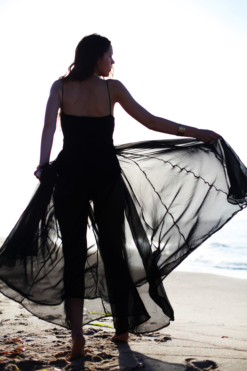vestito lungo nero trasparente