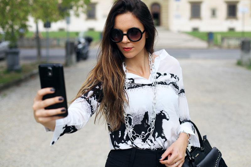 selfie outfit
