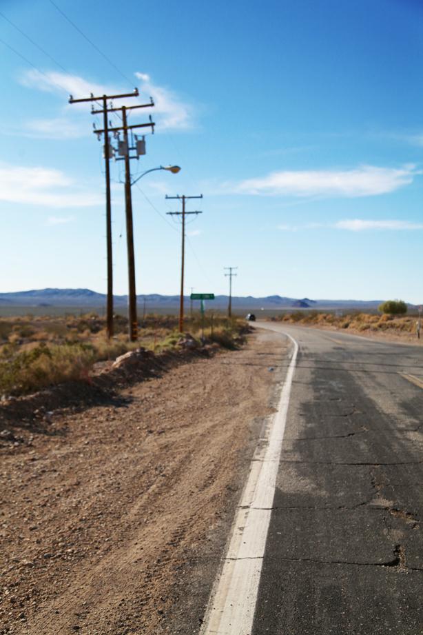 DEATH VALLEY LOS ANGELES LAS VEGAS ON THE ROAD (10)