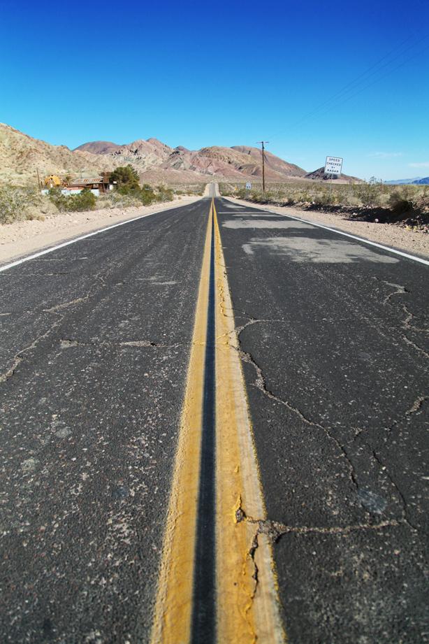 DEATH VALLEY LOS ANGELES LAS VEGAS ON THE ROAD (9)