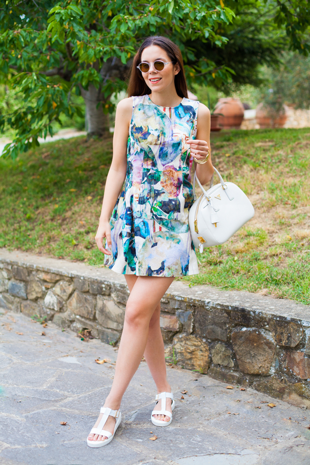 Un vestito colorato