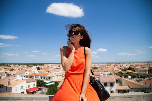 Vestito arancione outfit