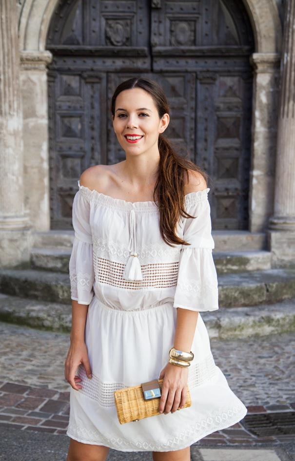Vestito bianco corto outfit
