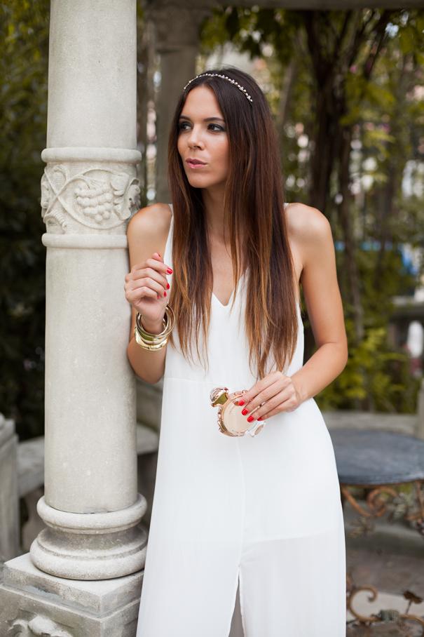 goddes look white dress