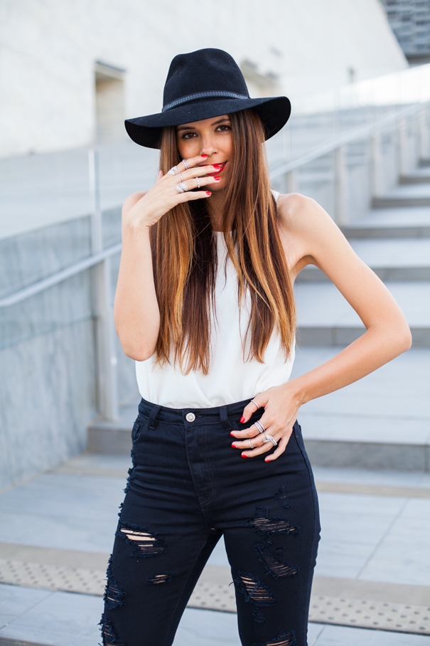 ripped black jeans outfit