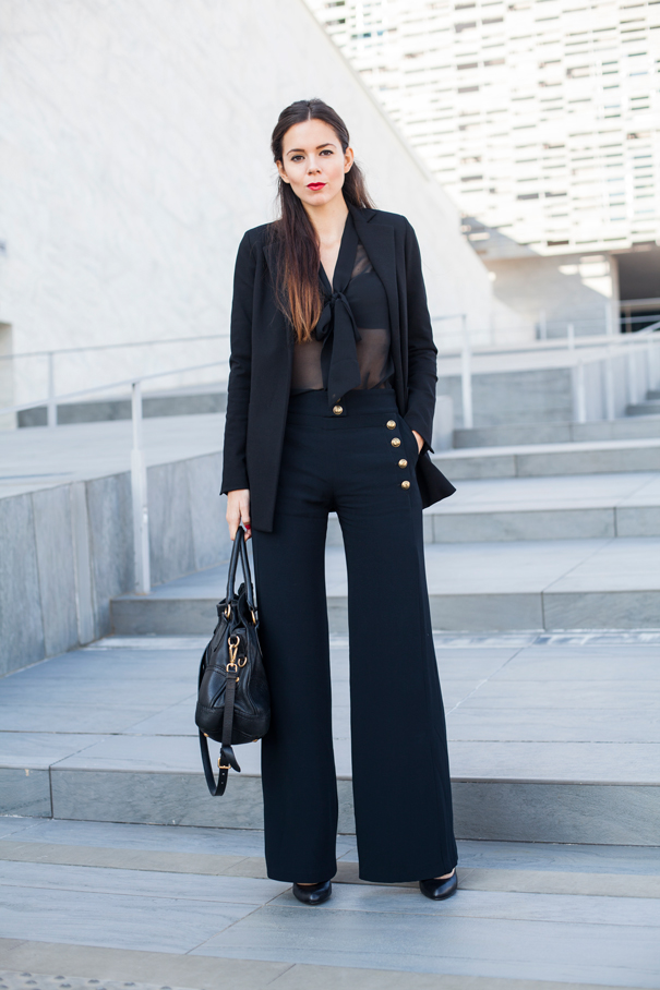 look total black