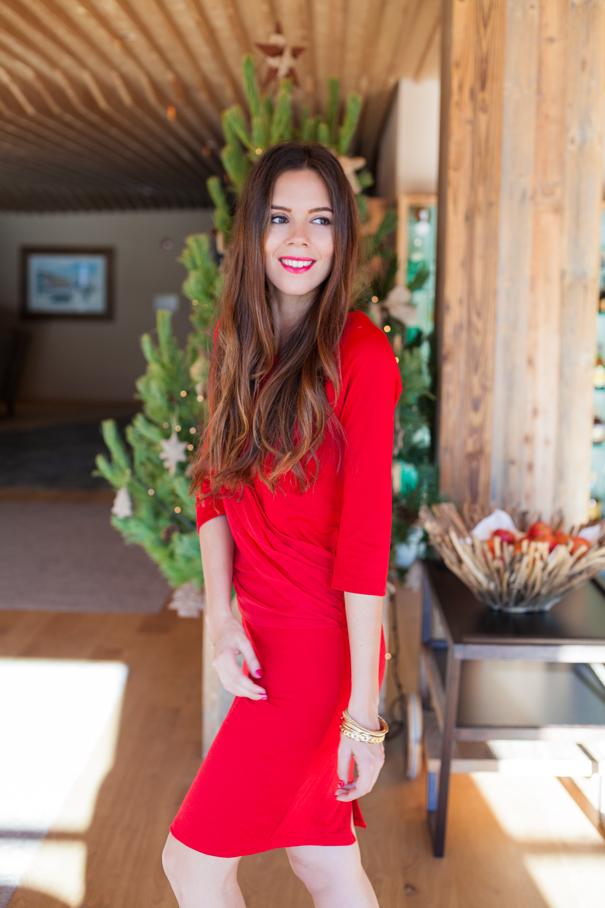 Natale 2015 un vestito rosso disegnato da me ed i miei auguri di buon Natale!
