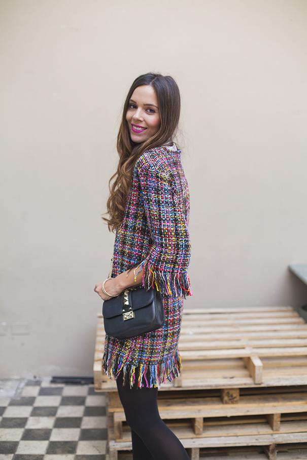 abito colorato con frange