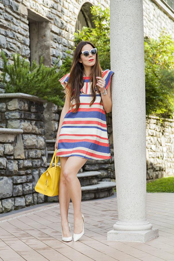 Vestito a righe colorate