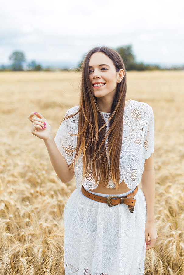 vestito bianco ricamato