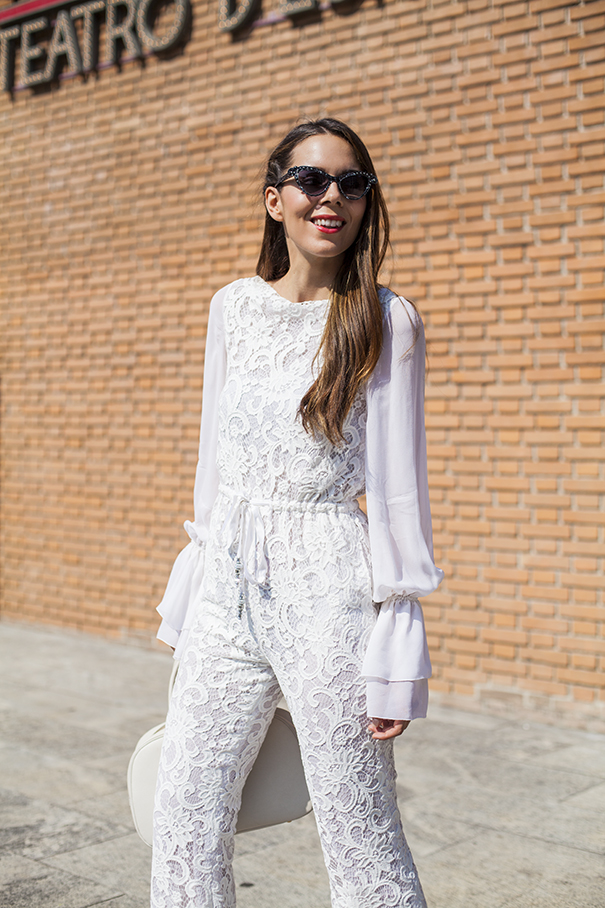 come indossare una tuta bianca | tuta bianca in pizzo | laura biagiotti