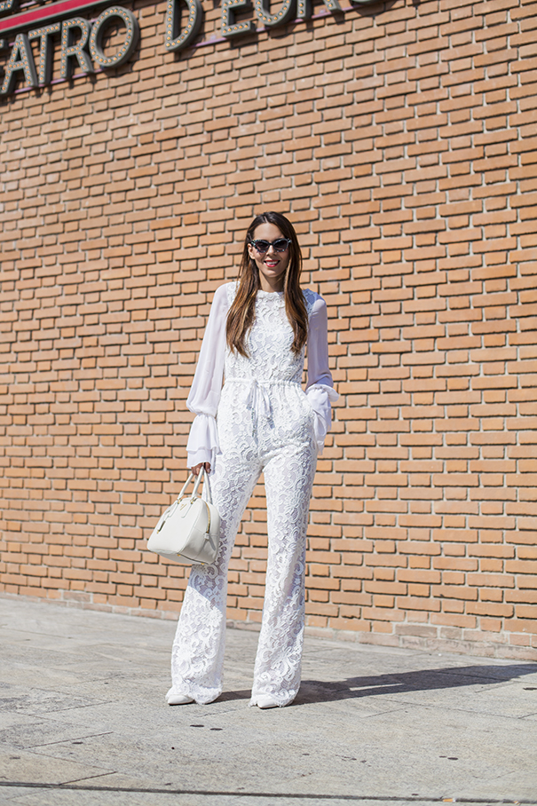come indossare un look total white | un outfit tutto bianco | tuta in pizzo