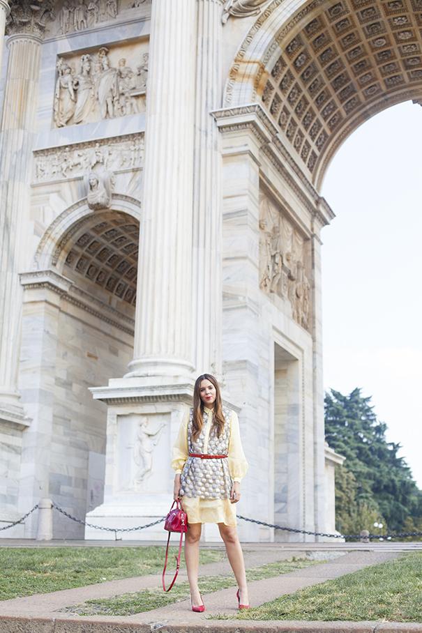 irene colzi | fashion blogger | fashion influencer importante | outfit con tocchi di rosso