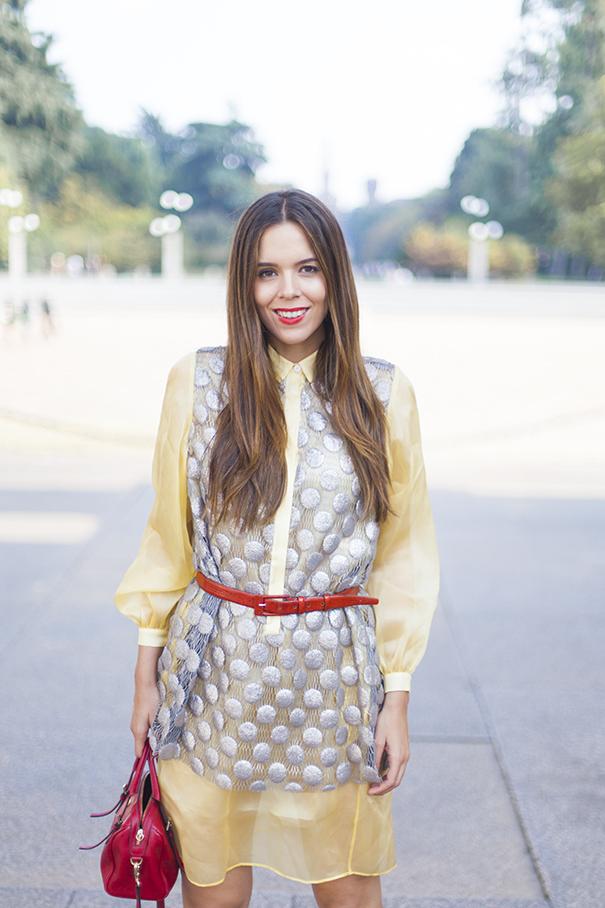 Scarpe rosse e borsa rossa | look vestito giallo | irene colzi | fashion blogger