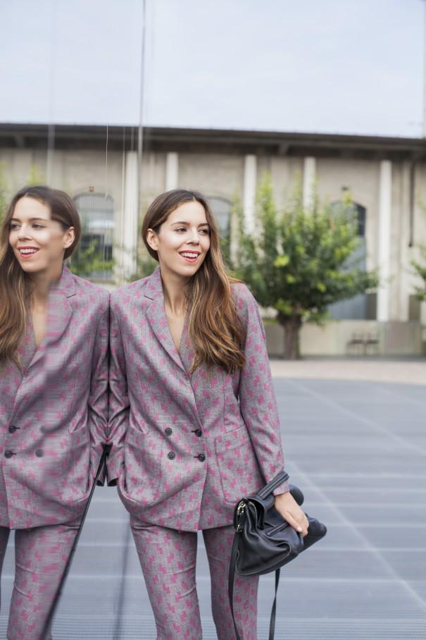 tailleur per ragazze   come indossare il tailleur   tailleur stampato