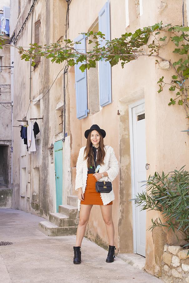 fashion influencer italiana | outfit con cardigan peloso | irene colzi