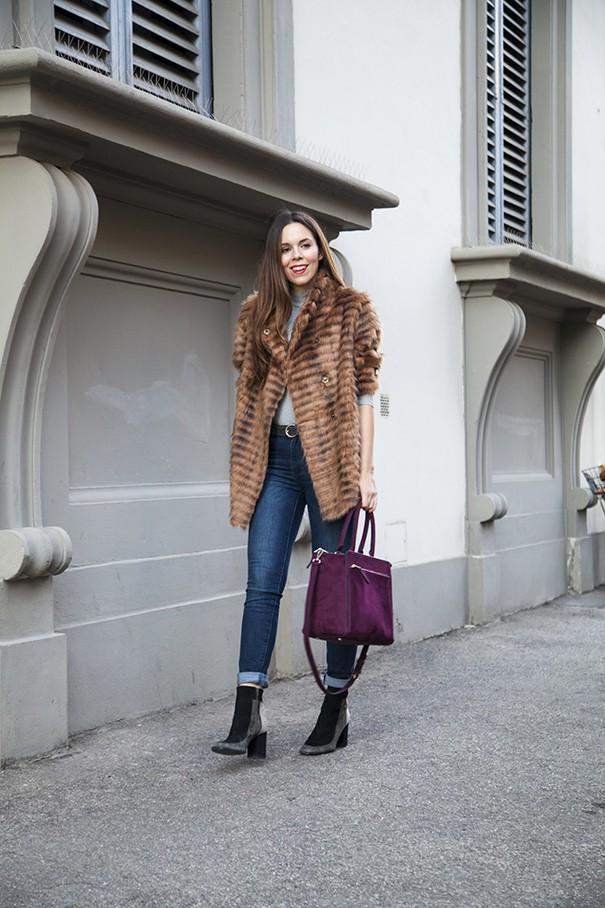 outfit con pelliccia classica | pelliccia marrone come indossarla