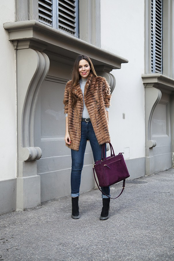 outfit con eco pelliccia classica marrone