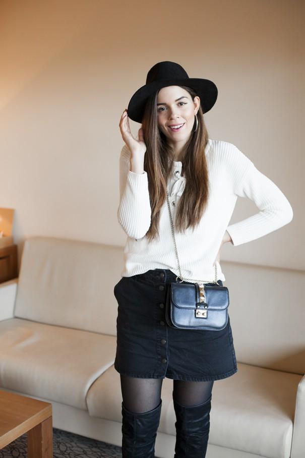 outfit con cappello con tesa
