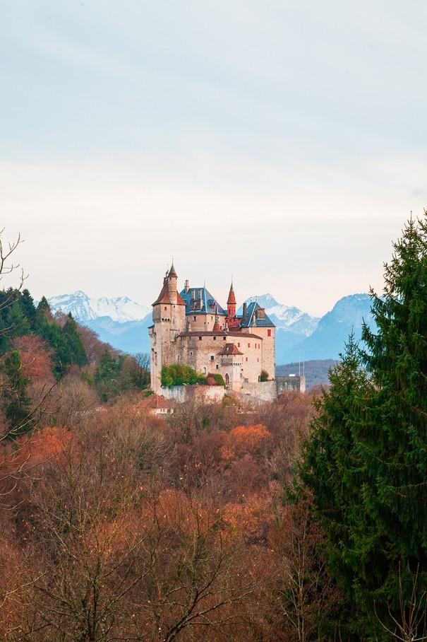 castello alta savoia , castello in montagna