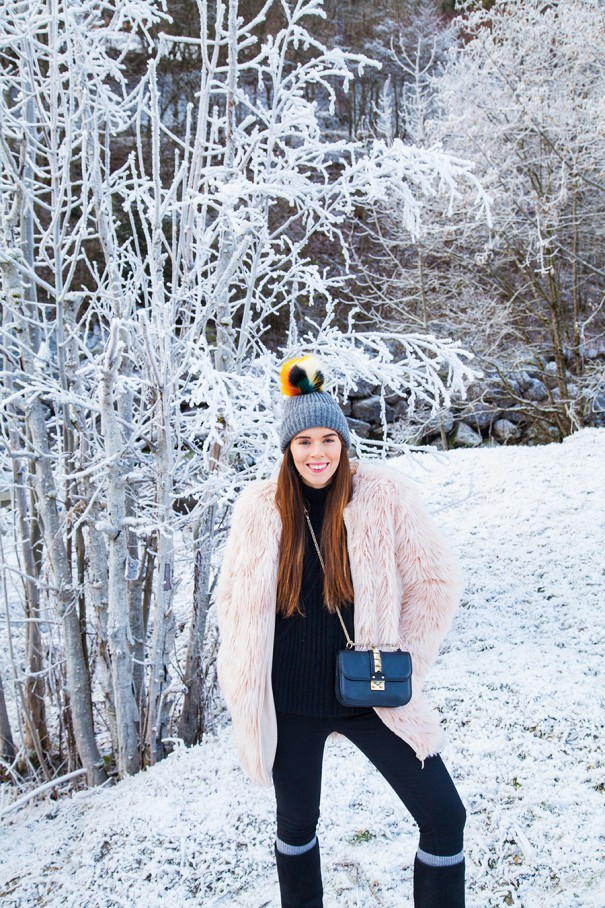 irene colzi fashion blogger , fashion influencer , come vestirsi per andare sulla neve