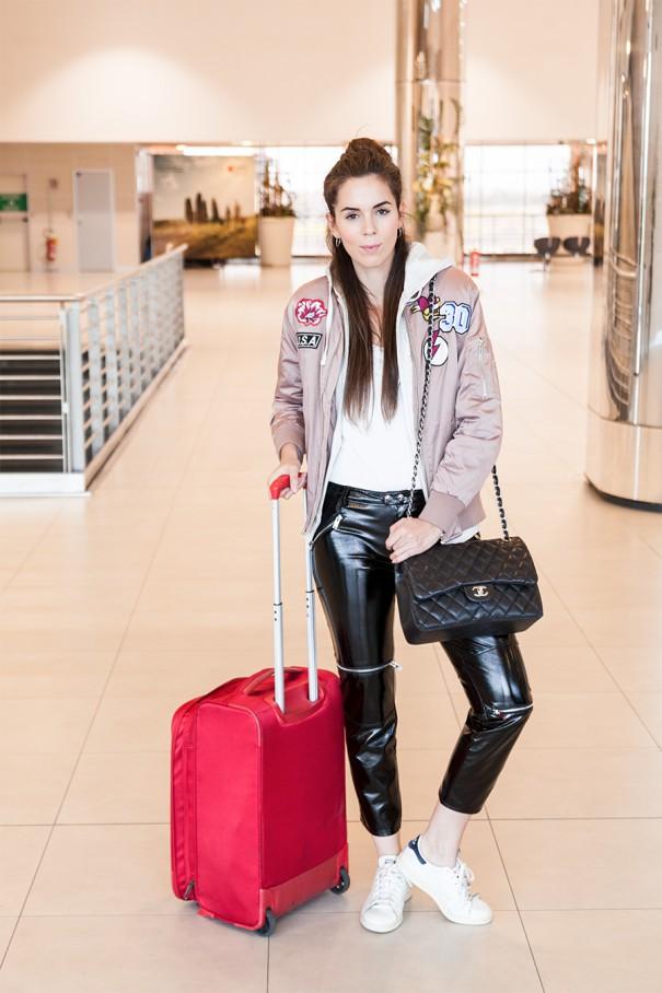 look da viaggio outfit per andare in aereo