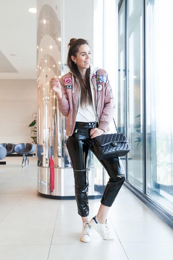 outfit comodo per viaggiare