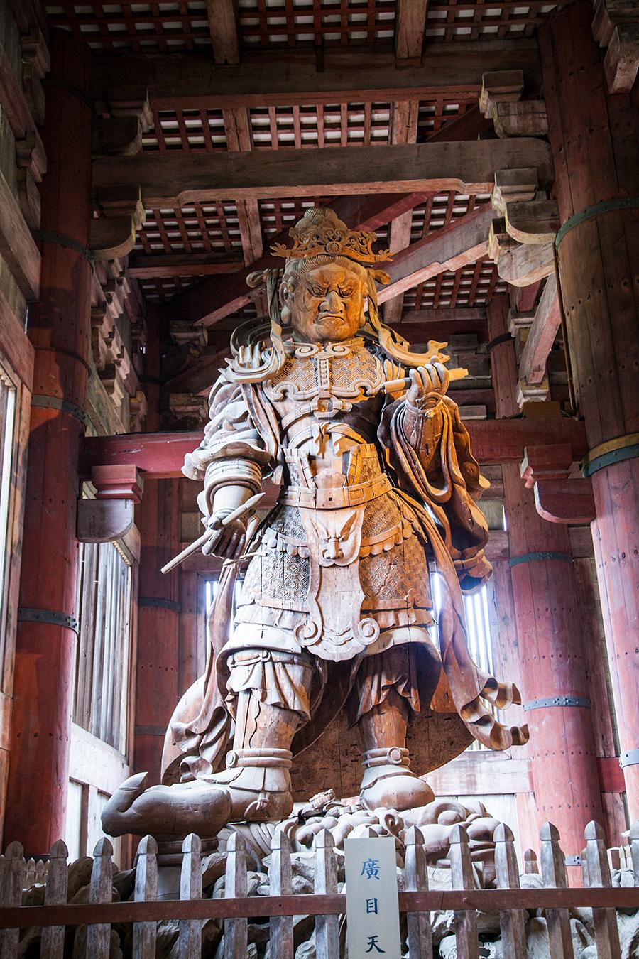 statua a nara nel tempio di nara