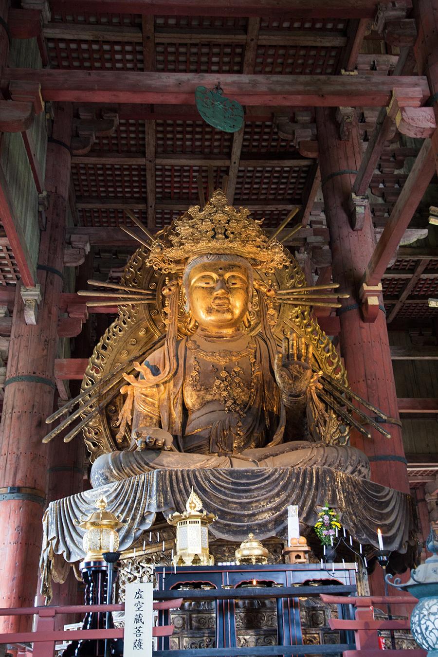 statua del tempio di nara