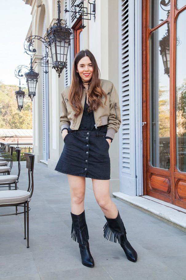 outfit con gli stivali con le frange